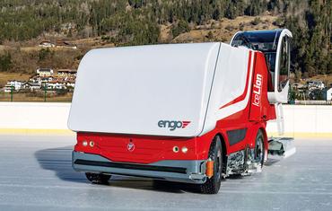 Ледозаливочный комбайн для катков до 7000 м² ENGO IceLion Electric