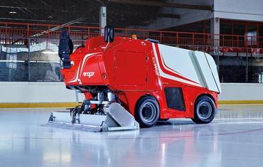 Ледозаливочный комбайн для катков до 1800 м² ENGO IceWolf Electric